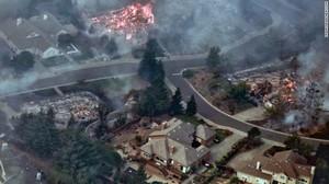 Прогресс в борьбе с пламенем, после недели пожаров в Калифорнии