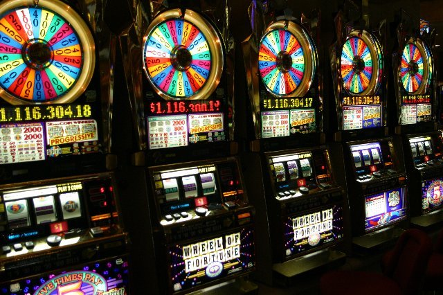 Азартные выходные для всех с автоматами казино Вулкан
