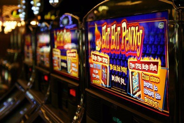 Игровой автомат Tales of Darkness Lunar Eclipse в казино Вулкан Россия