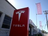 Компания Tesla запланировала запустить в США службу беспилотного такси