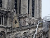 Нотр-Дам: есть угроза обрушения частей собора