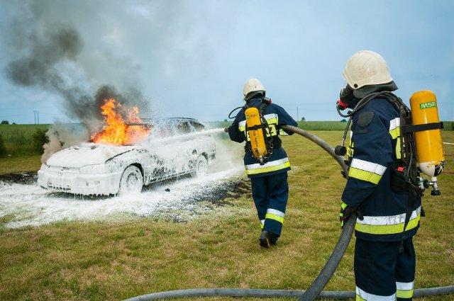 Пожарным на заметку: как тушить электромобили
