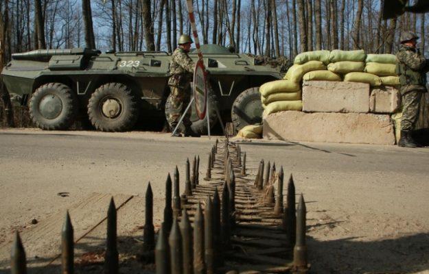 Политолог прокомментировал «бредовую идею» украинского эксперта разместить ядерные мины на границе с Россией