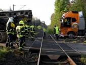 В Германии поезд столкнулся с грузовиком, более десятка пострадавших