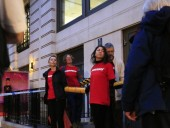 Экоактивисты заблокировали главный офис нефтегазовой корпорации в Лондоне
