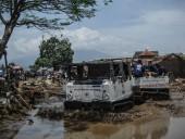 Треть миллиона человек находятся в зоне паводков на юге Китая