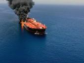 Японский грузовладелец заявил об артиллерийском обстреле танкера в заливе Омана