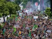 В немецком Аахене 40 тысяч человек протестовали против изменений климата