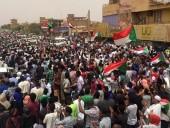 В Судане договорились создать переходное правительство после протестов