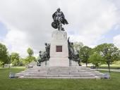 Коренное население Канады выступает против установки памятника первооткрывателю страны