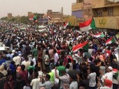 В Судане задержали силовиков, которые расстреляли учащуюся демонстрацию