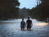 """Трамп распорядился выделить помощь пострадавшим от урагана """"Барри"""""""