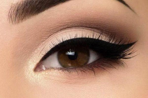 Сделать привлекательный татуаж глаз