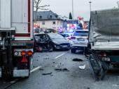 В Германии перевернулся пассажирский автобус, пострадали более 30 человек