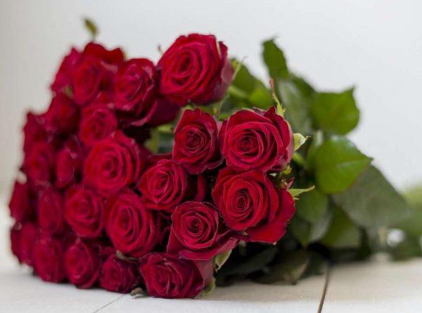 Заказать букет роз онлайн в Краснодаре