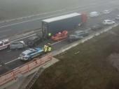 В Германии из-за непогоды столкнулись 18 автомобилей