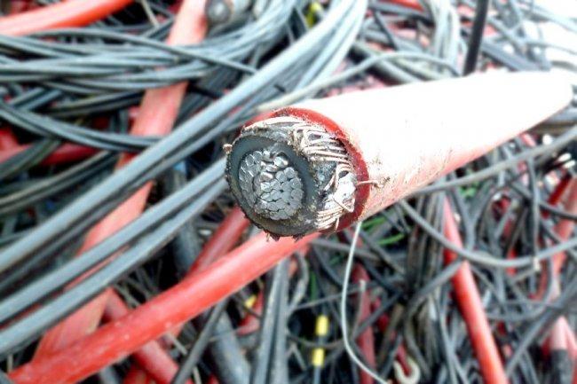 Прием лома кабеля в Москве