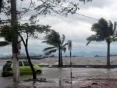 Жертвами тайфуна на Филиппинах стали 17 человек
