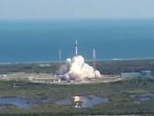 Грузовой космический корабль Dragon SpaceX отправляется на МКС