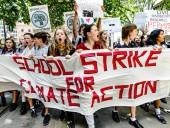 В США школьникам разрешили прогуливать уроки для участия в акциях протеста