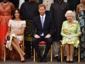Британская королева созывает чрезвычайный саммит по будущему Гарри и Меган