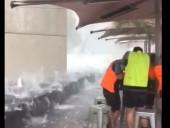 Появилось видео аномального града в Австралии