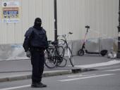 Неизвестный напал в пригороде Парижа с ножом на людей: есть погибший и раненые