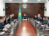 Казахстан приостанавливает действие безвиза для транзитных пассажиров из КНР