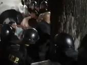 В Гватемале бывших президента и вице-президента забросали яйцами в знак протеста