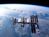 Астронавты вышли в космос с МКС для ремонта магнитного альфа-спектрометра