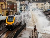 Из-за мощного циклона по Европе объявили штормовое предупреждение