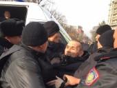 На митингах оппозиции в Казахстане задержали более 100 человек