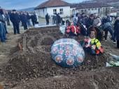 В Сербии полицейский расстрелял свою семью, после чего покончил с собой