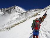 Непал отменил все экспедиции на Эверест
