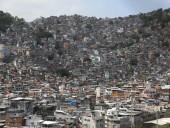 Минздрав Бразилии призвал договориться с наркокартелями о борьбе с коронавирусом в бедных районах