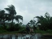По Индии и Бангладеш нанес удар суперциклон
