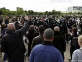 В Германии радикалы используют протесты против карантина в своих целях