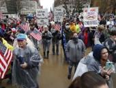 Почти половина штатов в США возобновляют работу бизнеса во время пандемии