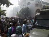 Авиакатастрофа Pakistan Airlines: лайнер упал на жилые дома за минуту до посадки, более 90 погибших