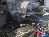 Авиакатастрофа Pakistan Airlines: два человека из 98 на борту смогли выжить при падении