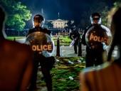 В Вашингтоне и еще 40 городах США ввели комендантский час, Трамп провел время в бункере