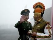 Китай перебрасывает войска к границе с Индией, на индийской территории отказываются селить в гостиницы и выселяют китайцев