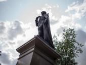 Антирасистские протесты: в Канаде отказались демонтировать памятник первому премьеру страны