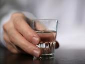 Советник премьер-министра Литвы признался, что покупает водку вместо антисептика