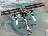 МКС внепланово изменила орбиту во избежание столкновения с космическим мусором