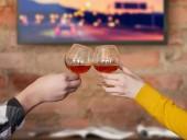 Карантин: британцы тратят на алкоголь деньги, сэкономленные на поезд на работу
