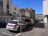 Во Франции мужчина несколько часов удерживал заложников в банке, требуя