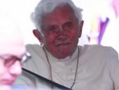 Бенедикт XVI заболел после поездки в Германию