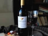 Бокал вина в день предотвращает развитие остеопороза у женщин - ученые