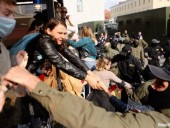 Во время женского марша в Минске задержано не менее 69 человек - правозащитники